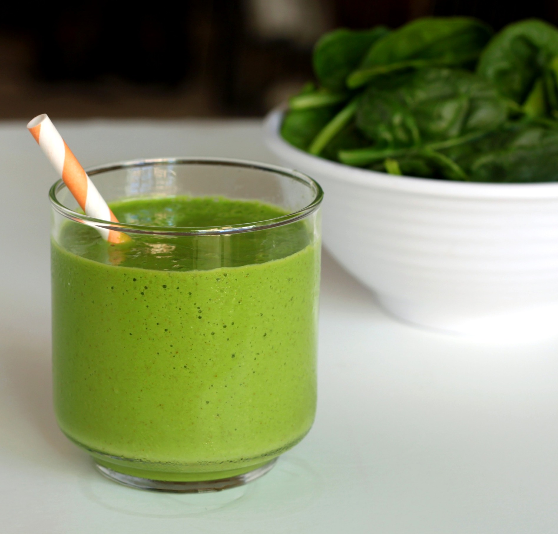 Tropical-green-smoothie-2