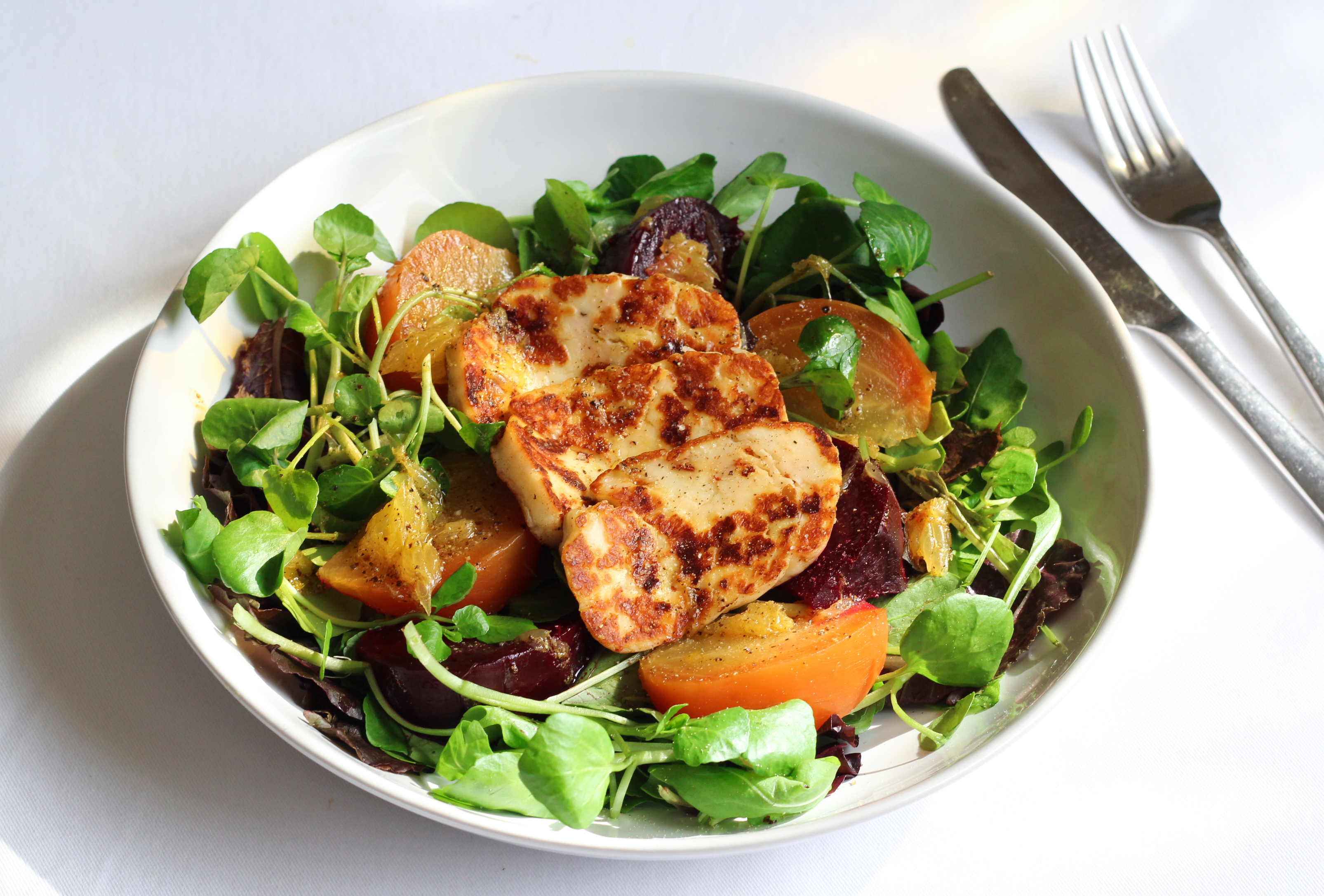 beetroot-and-halloumi-salad-1-sept-2015