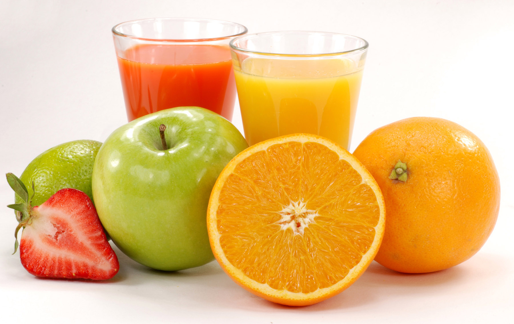 FreeGreatPicture.com-33622-fruit-juice-from-a-strawberry